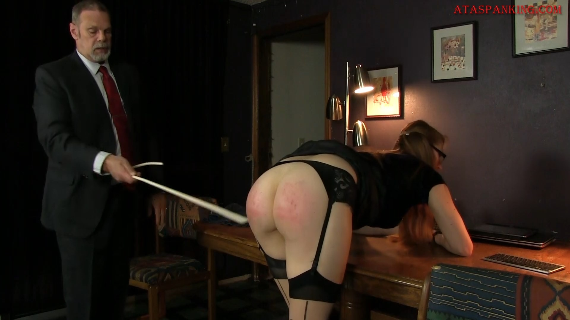 spank-video-websites-femdom-strapon-fourm