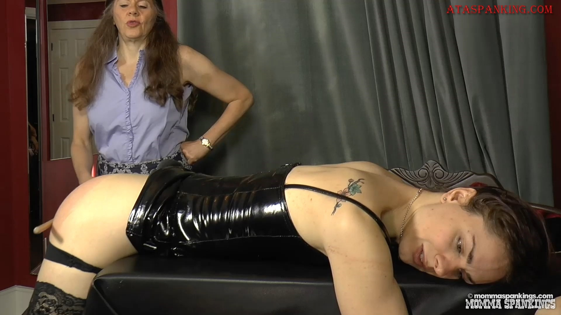 Spanking dominatrix